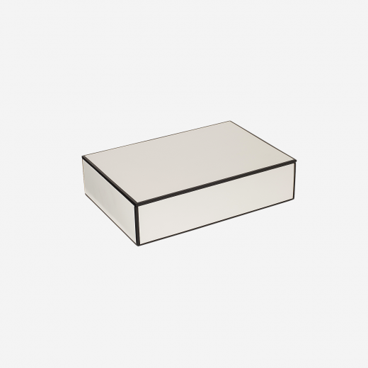 Flat lacquer box with room divider B white